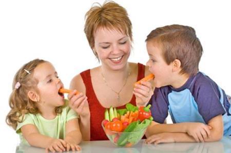 мама корми детей