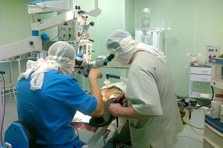 операционная и врачи
